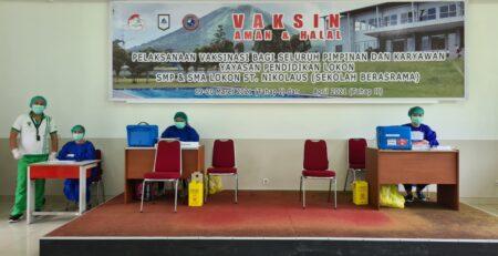 vaksinasi covid19 tahap 1 LOSNITO SMP Lokon SMA Lokon Sekolah Berasrama Tomohon